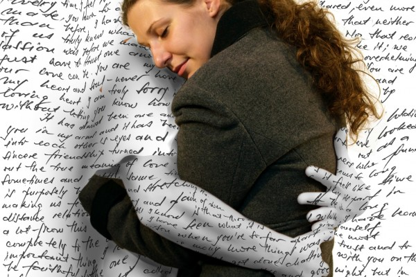 woman hugging a man missing him love letter